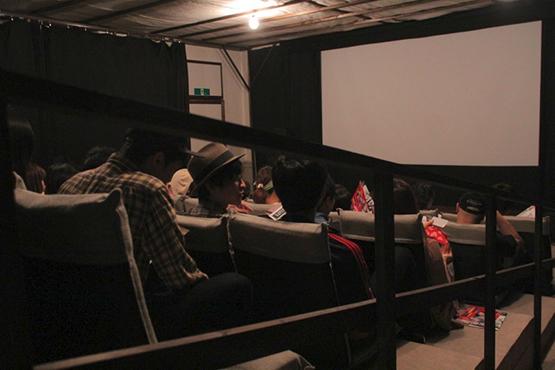 「日本映画原点の地」の空気を感じながら-元・立誠小学校 特設シアターの日々