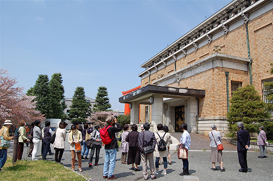 再整備工事を前に、京都市美術館本館80余年の歴史にふれる特別企画 「京都市美術館で思い出づくり!」